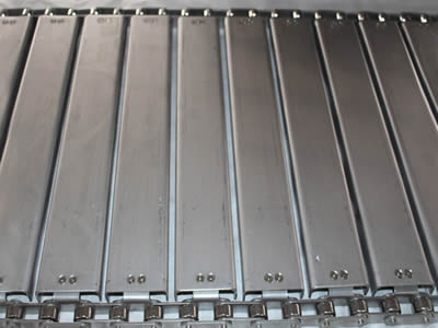 Metal Chain Plate Conveyor Belt – Efficient in Dry and Sorting